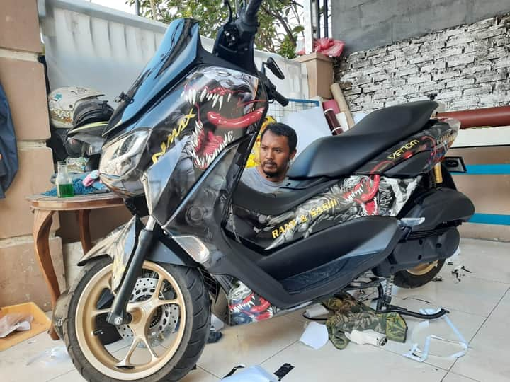 sticker decal nmax cutting sticker sidoarjo
