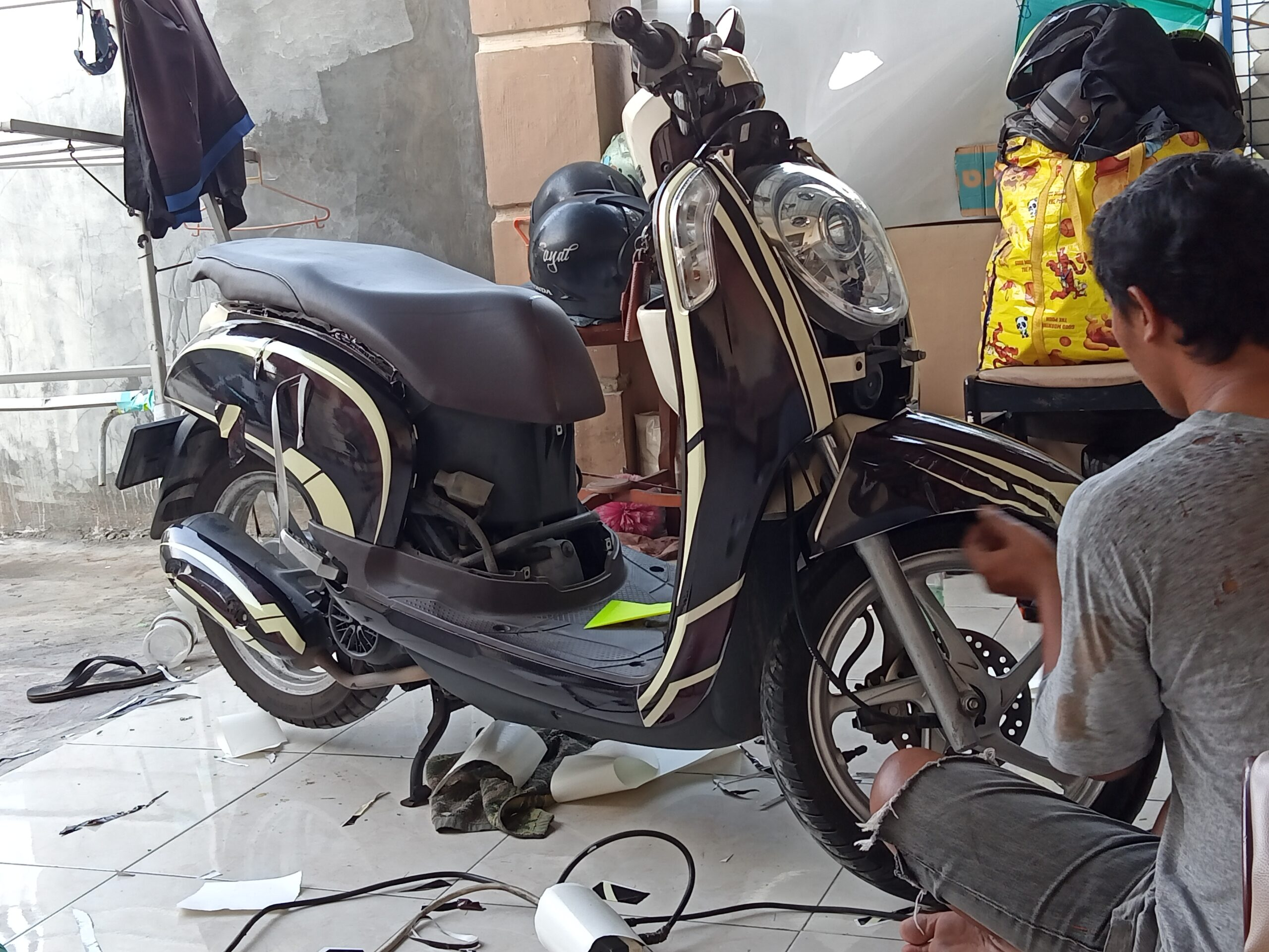 decal scoopy fi maxgraphica cutting sticker sidoarjo